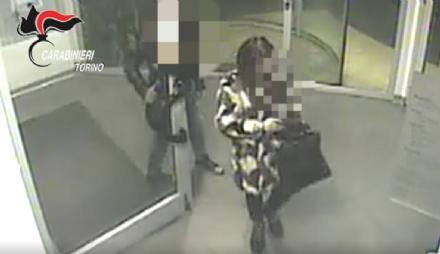 MONCALIERI - Narcotizza lamante e lo rapina: una donna di 30 anni arrestata dai carabinieri - VIDEO