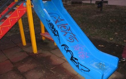 NICHELINO - Sei baby vandali beccati dalla polizia municipale