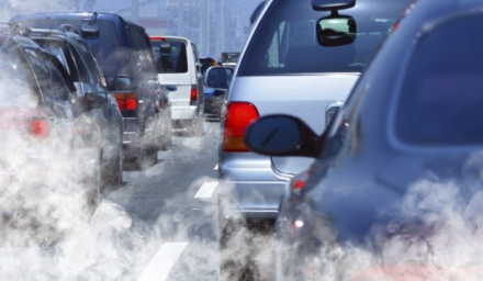 INQUINAMENTO - Da lunedì 15 ottobre via alle limitazioni del traffico in 33 Comuni