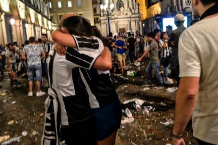 TERRORE IN PIAZZA SAN CARLO A TORINO NELLA NOTTE DI JUVE-REAL: 1100 FERITI, UN BAMBINO GRAVISSIMO