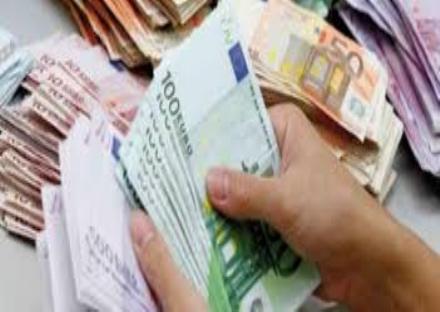MONCALIERI - Un convegno per aiutare chi è stato colpito da debiti consistenti