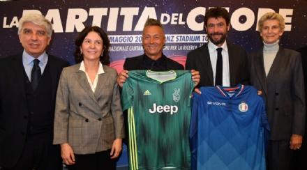 CANDIOLO - Cristiano Ronaldo darà il calcio dinizio alla Partita del cuore a favore dellIrcc