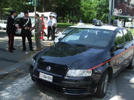 NICHELINO-MONCALIERI - Tentato omicidio: accoltella il convivente a un polmone poi cerca di sgozzarsi