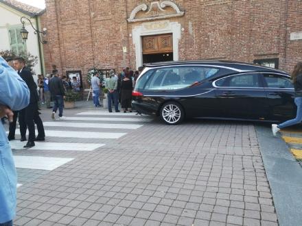 LA LOGGIA - Folla ai funerali di Marco Mollo, il motociclista morto a Moncalieri