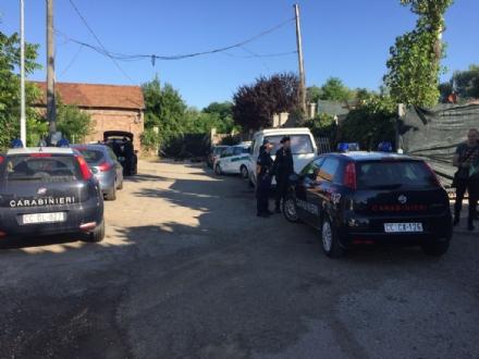 NICHELINO - Blitz dei carabinieri al campo rom del Boschetto