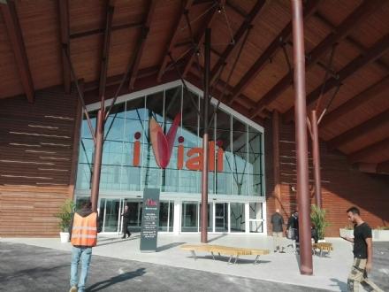 """NICHELINO - Anche il centro commerciale """"I Viali"""" coinvolti nella campagna per una migliore raccolta rifiuti"""