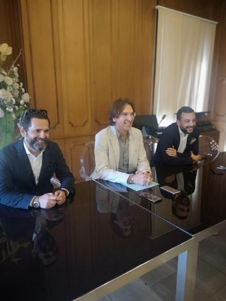 NICHELINO - Michele Pansini è il nuovo assessore e prende subito la tessera Pd