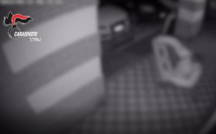 MONCALIERI - Sfondava le vetrine dei negozi per rubare lincasso: arrestato