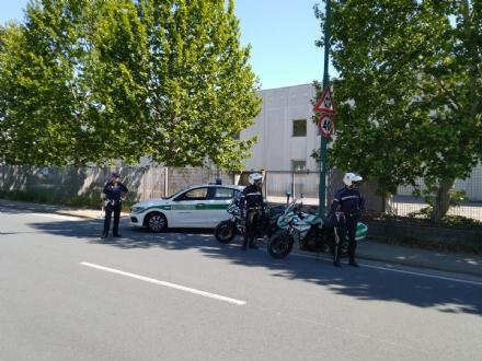 MONCALIERI - Stretta sui controlli della municipale: 1900 veicoli fermati, 40 sanzioni