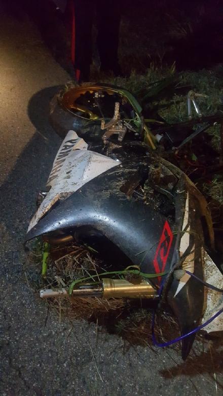 CARIGNANO - Scoppiano le polemiche dopo lennesimo incidente sulla sp 122 costato la vita a un motociclista carignanese