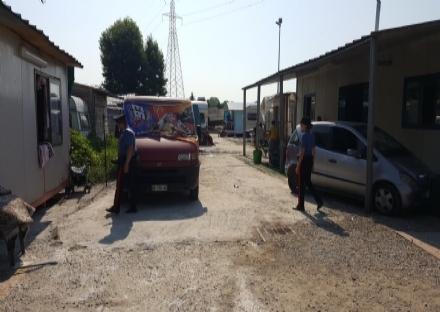 BEINASCO - I rom fanno scrivere dai legali per evitare lo sgombero