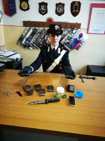 CARMAGNOLA - Arrestato per possesso di droga un passeggero senza biglietto sul treno per Torino