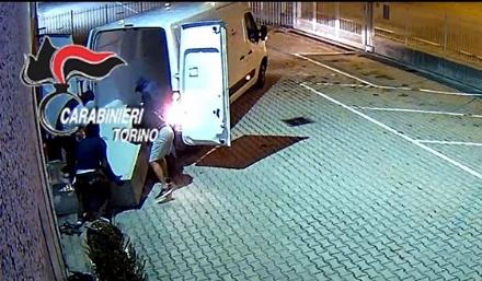 CRONACA - Razziavano aziende e minacciavano camionisti in sosta: rom arrestati in cintura sud