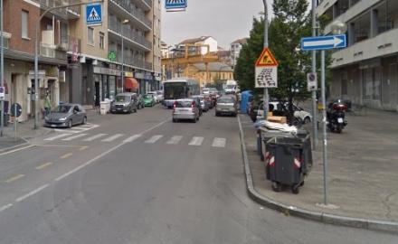 MONCALIERI - Mamma e bambine investite sulle strisce in corso Roma