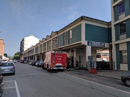BEINASCO - Il Comune ordina la chiusura del capannone colpito da un incendio