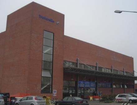 TROFARELLO - Blocca il treno in stazione per mezzora: denunciato dalla polfer