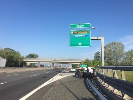 TROFARELLO - Scontro allo svincolo di Vadò: un ferito e uscita chiusa per unora