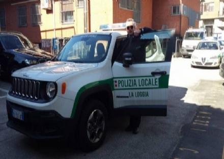 LA LOGGIA - Rubano detergenti e profumi, bloccati dalla polizia municipale