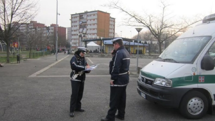 NICHELINO - Investita in bicicletta alla rotatoria di via Cacciatori: donna in ospedale