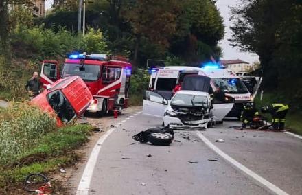 INCIDENTE A CHIERI - Scontro con tre auto: un moncalierese ferito