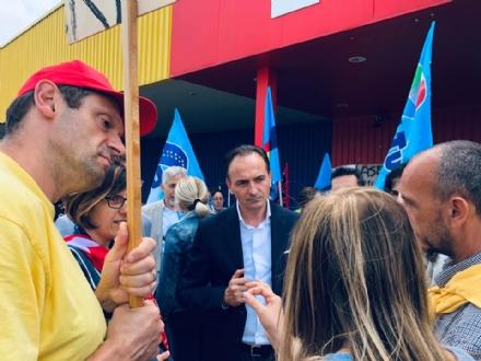 BEINASCO - Il neo governatore Cirio ai lavoratori Mercatone Uno: Subito un tavolo col ministero