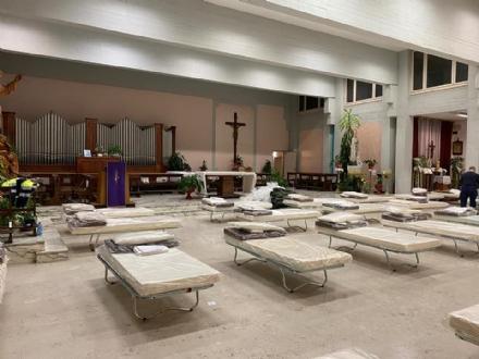 ORBASSANO - Al San Luigi attrezzate la chiesa e la sala convegni interne con posti letto