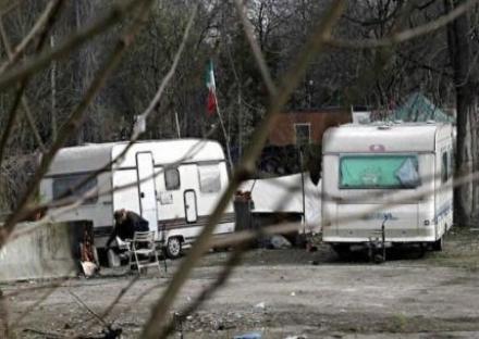 ORBASSANO - La Lega: «Basta rom, il Comune sgomberi i campi nomadi»