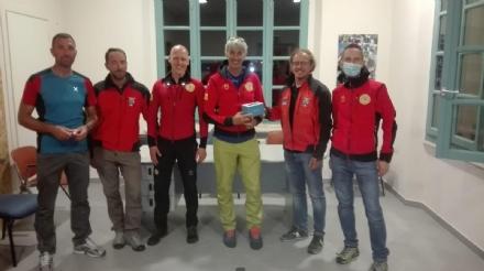 CARMAGNOLA - Dal Club Alpino Italiano un telefono satellitare in dono al soccorso alpino