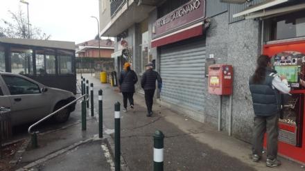 RIVALTA - Trova 2500 euro a terra e li riconsegna alla polizia locale