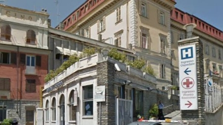 MONCALIERI - Fermato al pre triage del Santa Croce va in escandescenza: arrivano i carabinieri
