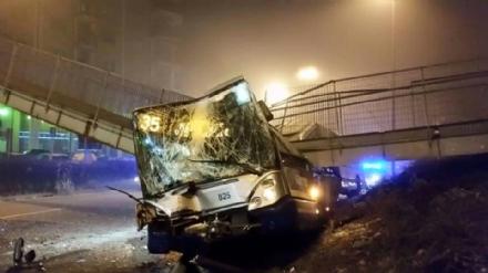 NICHELINO - Il Comune mette i soldi per ricostruire la passerella in largo Delle Alpi