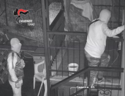 BEINASCO - Furti nelle case: i carabinieri arrestano due ladri - VIDEO