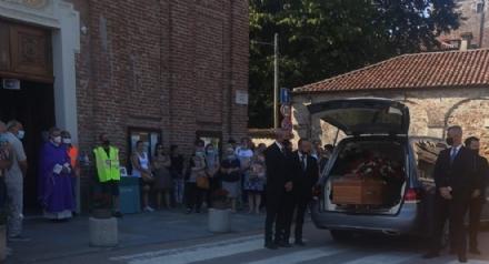 LA LOGGIA - Lultimo saluto a Gianfranco Trafficante, suicida dopo lomicidio di Emy