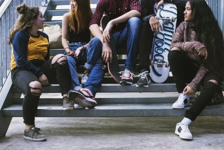 CARIGNANO - Partito il sondaggio per capire cosa significa vivere da giovani a Carignano