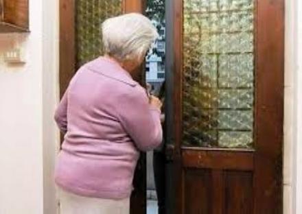 NICHELINO - Uno spettacolo teatrale per contrastare le truffe agli anziani