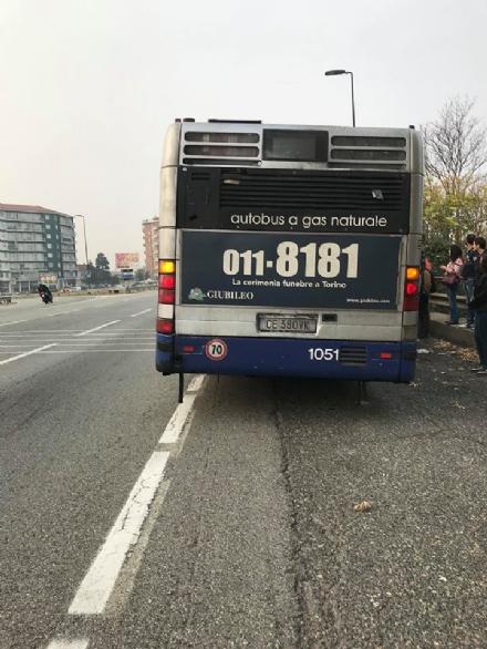 ORBASSANO - Protestano gli utenti dellautobus linea 5: guasti in serie al mattino