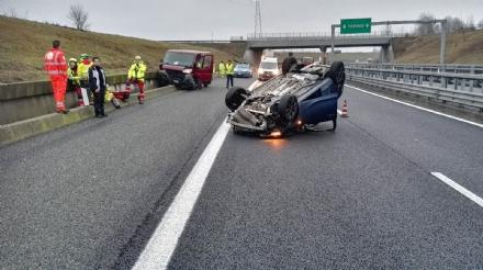 ORBASSANO - Incidente stradale sul raccordo: due feriti - FOTO