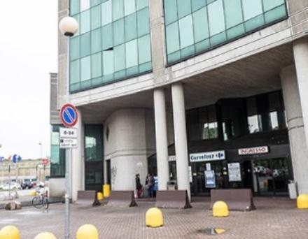 MONCALIERI - Ruba vestiti al centro commerciale: arrestato romeno
