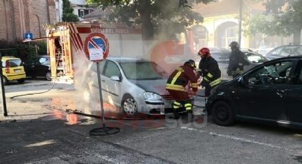 CARMAGNOLA - A fuoco lauto dellassessore Alessandro Cammarata: indagini in corso