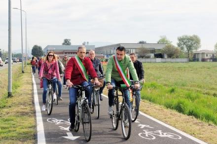 VINOVO/CANDIOLO - Inaugurata la pista ciclabile che collega i due Comuni