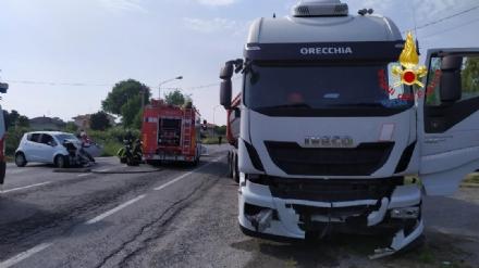 INCIDENTE MORTALE - 66enne di Orbassano muore nello scontro con un camion ad Alice Castello