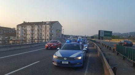 MONCALIERI - Ennesimo incidente sulla sopraelevata di corso Trieste: 21enne in gravi condizioni