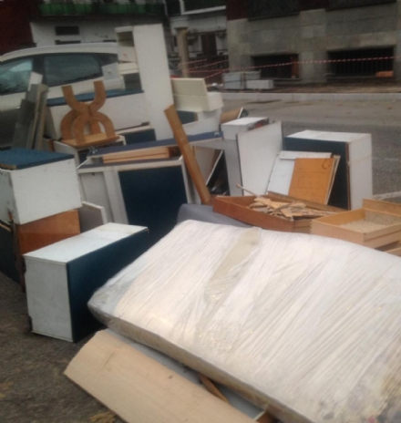MONCALIERI - Continuano gli abbandoni di ingombranti: nuovo caso a Borgo San Pietro