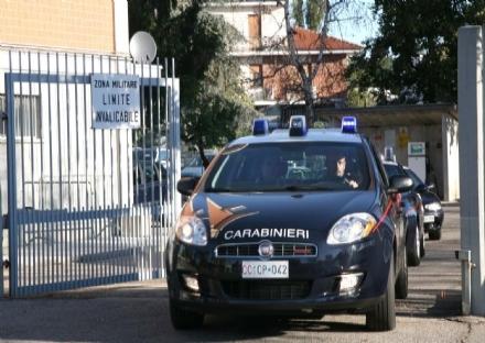MONCALIERI - Aggredisce i vigilantes con le forbici dopo aver rubato un telefonino ad un pensionato: arrestato