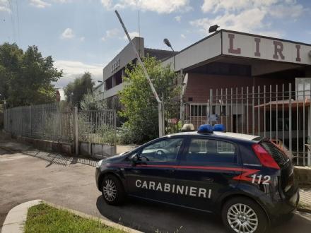 NICHELINO - Rave illegale alla ex Liri: 400 giovani occupano il capannone