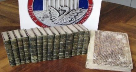 MONCALIERI - Ritrovati dai carabinieri 15 volumi antichi: erano stati rubati alla Biblioteca del Real Collegio