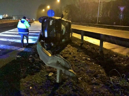 NICHELINO - Tragico incidente in tangenziale: muore un 25enne dopo uno schianto contro il guardrail