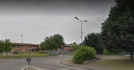 MONCALIERI - Altra rissa di fronte alla scuola Clotilde, il Comitato chiede aiuto ai carabinieri