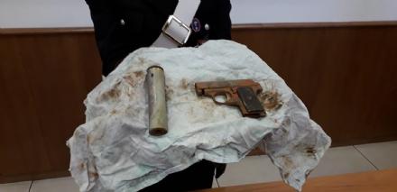 MONCALIERI - La pistola usata per uccidere Umberto Prinzi ritrovata nel Po