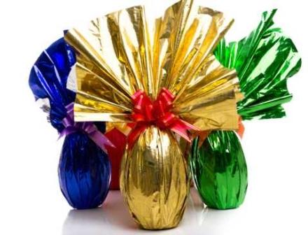 CANDIOLO - Lassociazione che ospita i bimbi di Chernobyl dona ai piccoli candiolesi un uovo di Pasqua